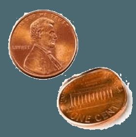 구부러진 동전 2개