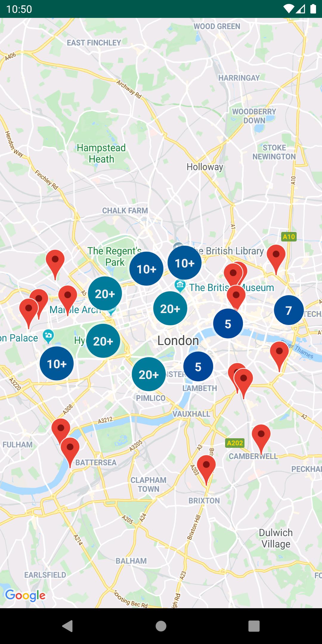Mapa con marcadores agrupados en clústeres