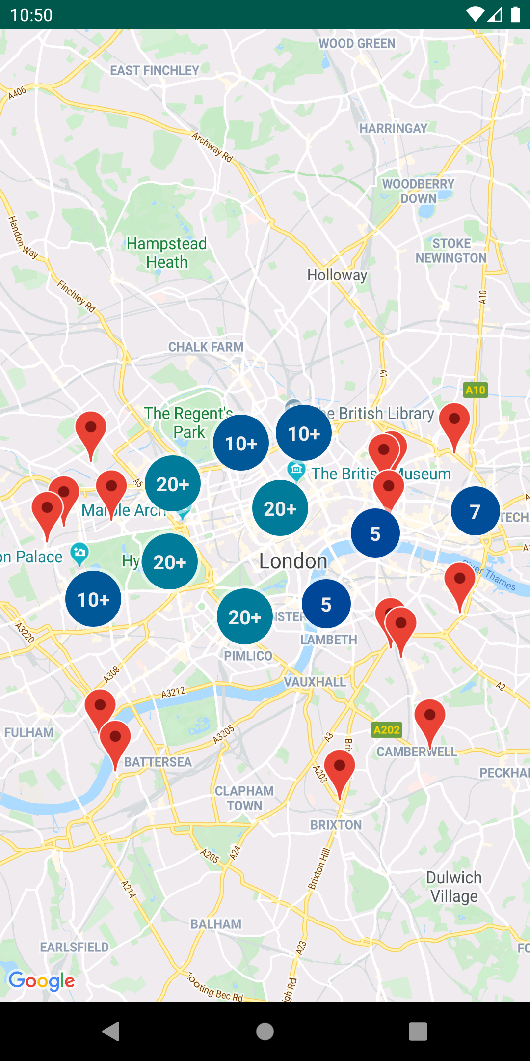 Um mapa com marcadores em cluster